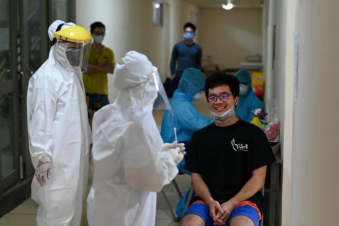 Dịch Covid-19 ngày 8/4: Có ca bệnh phức tạp, Hà Nam họp khẩn, phong tỏa 1 thôn; Việt Nam có 251 ca bệnh - Ảnh 5.