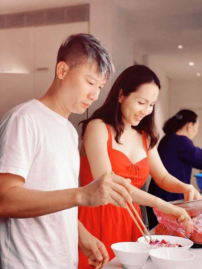 Sao nam đảm đang mùa dịch: Tuấn Hưng trổ tài làm đầu bếp gia đình, Trường Giang chuẩn ông chồng chiều vợ nhất showbiz - Ảnh 10.