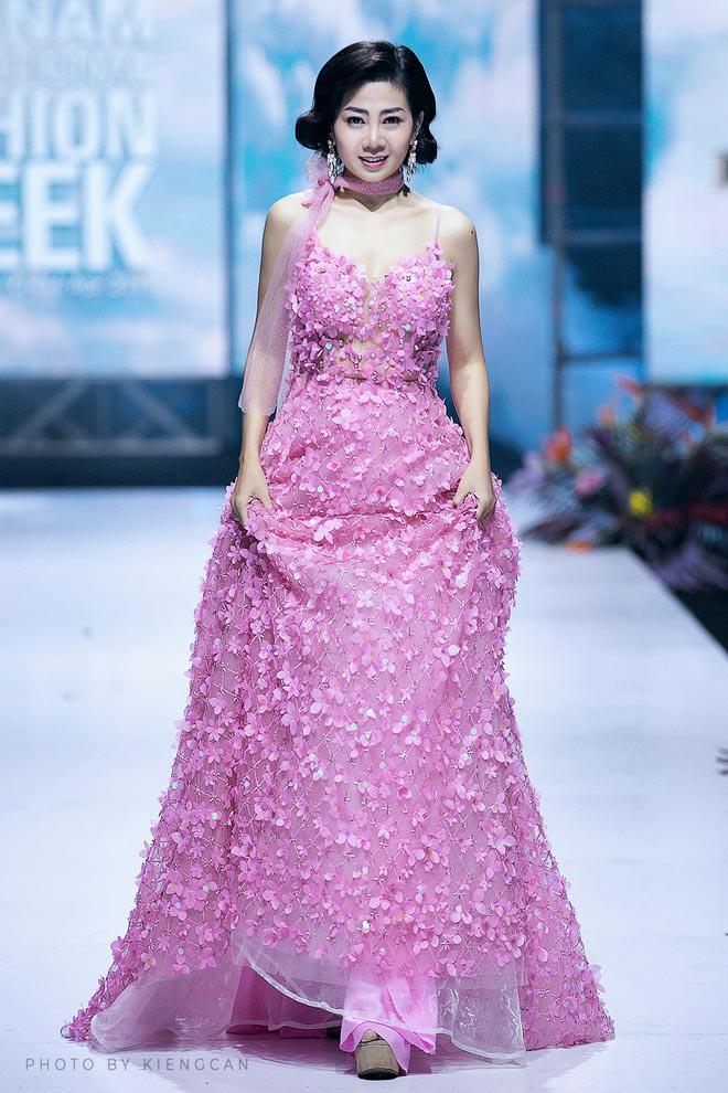 Mạnh thường quân hủy mua váy cố diễn viên Mai Phương từng mặc, ủng hộ 12 triệu tiền đặt cọc - Ảnh 1.