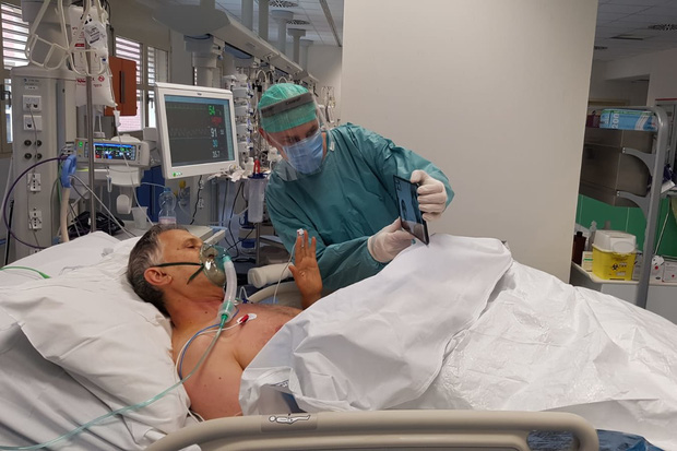 Ám ảnh đến tận cùng: 2 tiếng cuối cùng trước lúc ra đi của một bệnh nhân nhiễm Covid-19, qua lời kể của người sống sót - Ảnh 3.