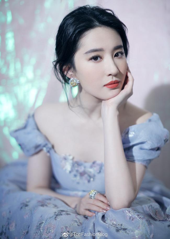 Phạm Băng Băng, Lưu Diệc Phi được khen xinh đẹp dù tăng cân nhưng vẫn chưa đỉnh bằng mỹ nhân này - ảnh 2