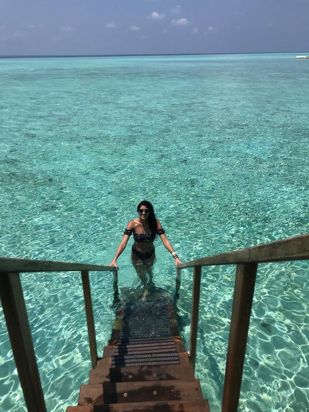 """Vẫn đi tuần trăng mật ở Maldives giữa mùa Covid-19, cặp đôi mới cưới bị mắc kẹt trên """"hòn đảo thiên đường chưa biết ngày về - Ảnh 4."""