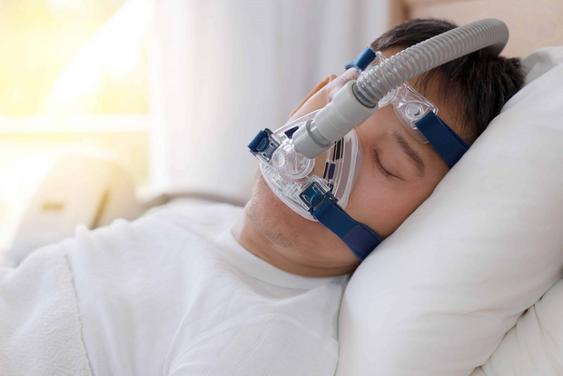 Chuyên gia phân tích: Máy thở và máy thở không xâm nhập có công dụng thế nào trong việc điều trị Covid-19? - Ảnh 3.