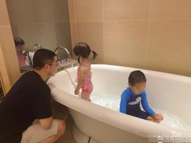 Tuesday nổi tiếng nhất Trung Quốc khoe nhẫn đánh dấu chủ quyền trong khi vợ hợp pháp xóa sạch ảnh chồng: Phải chăng hôn nhân của chủ tịch Taobao đã kết thúc? - Ảnh 4.