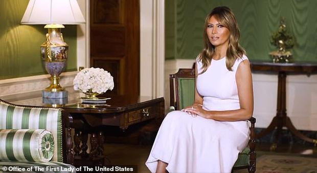 Ảnh cũ của Tổng thống Mỹ bên đấng sinh thành gây chú ý và lần trải lòng hiếm hoi về cha mẹ của ông: Tôi rất nhớ họ - Ảnh 2.