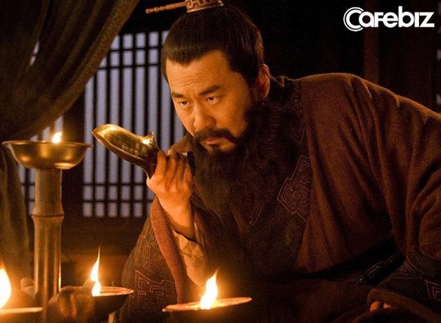 Cùng bị vạn quân Tào Tháo bao vây, vì sao Triệu Vân thoát được còn Lã Bố lại rơi vào kết cục bi thảm? - Ảnh 1.