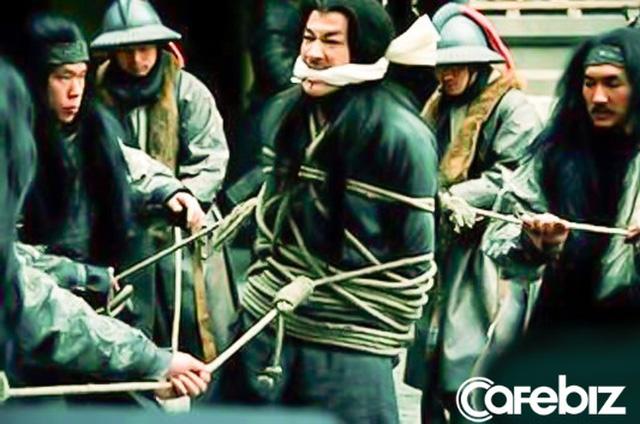Cùng bị vạn quân Tào Tháo bao vây, vì sao Triệu Vân thoát được còn Lã Bố lại rơi vào kết cục bi thảm? - Ảnh 3.