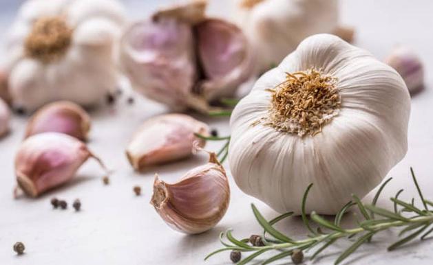 6 gia vị sẵn trong bếp là dược liệu cực tốt nhưng không phải ai cũng biết cách dùng đúng
