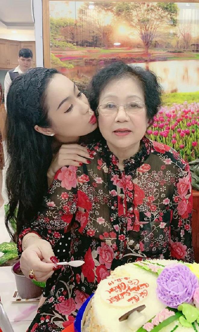 Xúc động với chia sẻ của nghệ sĩ Việt trong Ngày của Mẹ - Ảnh 3.