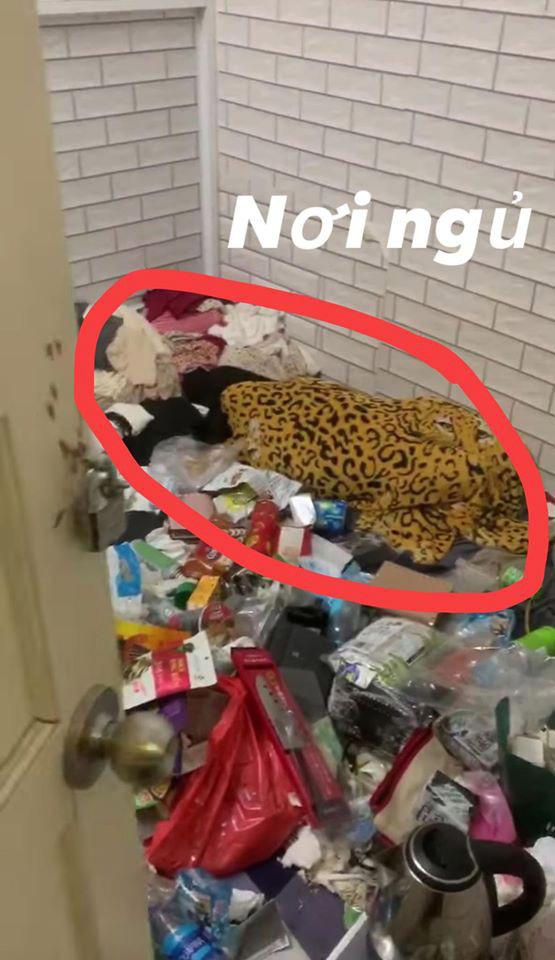 Cô chủ nhà trọ lên tiếng sau vụ gái xinh ở bẩn, ăn ngủ với rác, rồi âm thầm bỏ đi để lại bãi chiến trường kinh dị: Đời mình chưa bao giờ chứng kiến cảnh tượng như thế - Ảnh 2.