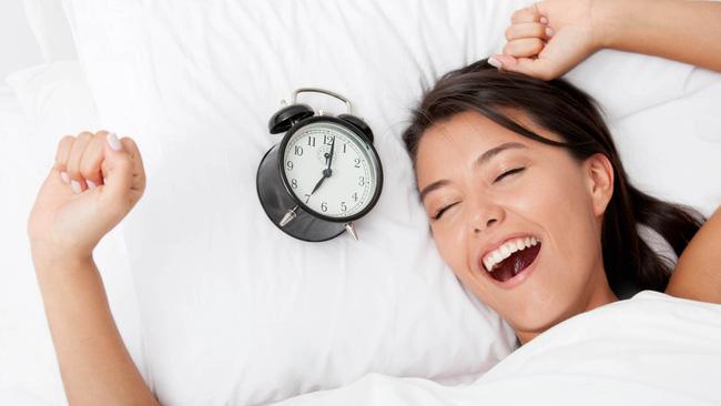 """Nguy cơ mắc bệnh tim sẽ ngày càng tăng cao nếu bạn """"ngủ ngoài giờ quy định dù sớm hay muộn hơn một phút"""" - Ảnh 2."""