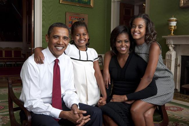 Con gái út nhà ông Obama lại gây sốt với vẻ ngoài lột xác, vô cùng gợi cảm và lấn át cả chị mình - Ảnh 1.