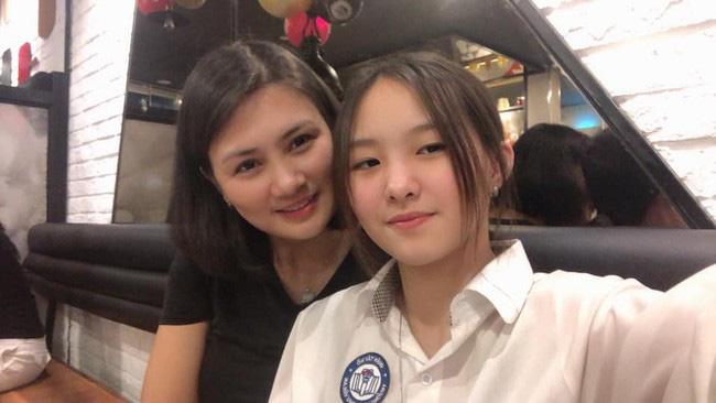Hoa khôi bóng chuyền Kim Huệ bật khóc: Chấn thương nặng, sợ bị lãng quên - Ảnh 4.