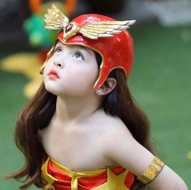 Đẳng cấp nhan sắc con gái mỹ nhân đẹp nhất Philippines: Xinh như tiên tử giáng trần, mới 4 tuổi cát xê đã vượt mặt mẹ - Ảnh 4.