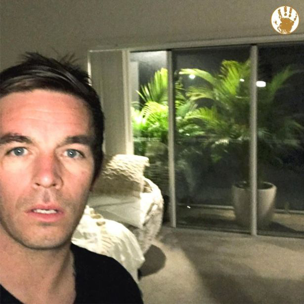 Anh chàng khổ vì vợ thích cây cảnh cỡ lớn, giữa đêm phải bê ra khỏi phòng ngủ bởi lý do khó ngờ - Ảnh 2.