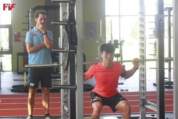 Duy Mạnh lần đầu xuất hiện sau tin đồn lục đục với Quỳnh Anh, thể hiện rõ quyết tâm tập luyện để trở lại - Ảnh 1.