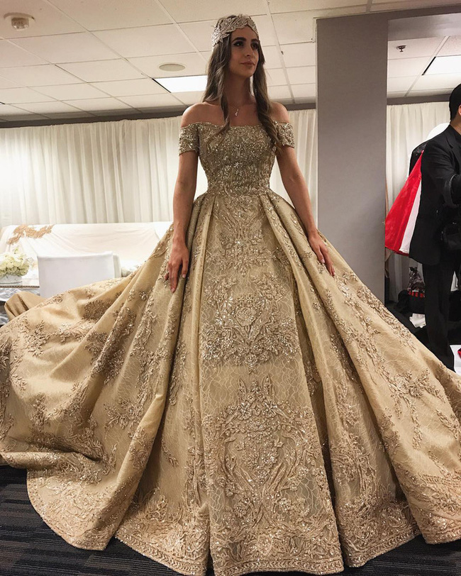 3 năm sau khi gây chú ý vì chi gần 230 tỷ đồng mua váy cưới, tiểu thư nước Nga có cuộc sống với lối rẽ không ai nghĩ đến - Ảnh 2.