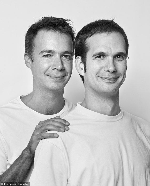 20 năm đi tìm những người xa lạ trông như sinh đôi để chụp ảnh, nhiếp ảnh gia cho ra đời bộ ảnh về hiện tượng bí ẩn chưa có lời giải - Ảnh 13.