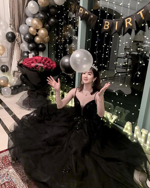 Nàng tiểu thư ngậm thìa bạc của giới siêu giàu Trung Quốc từng gây sốt tại vũ hội xa hoa nhất hành tinh sau 2 năm có cuộc sống khác biệt - Ảnh 6.