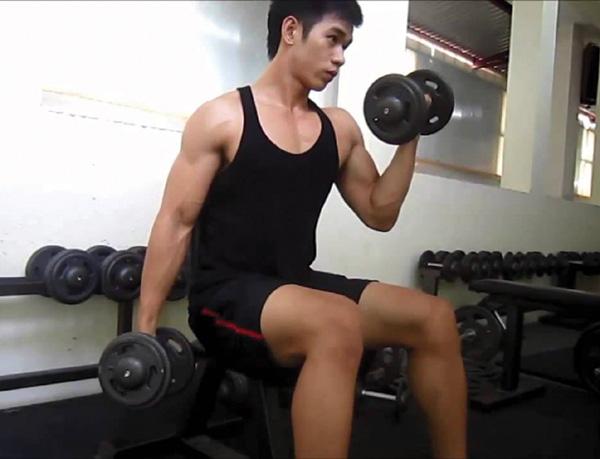 Ăn uống gì để phát triển cơ bắp khi tập gym? - Ảnh 1.