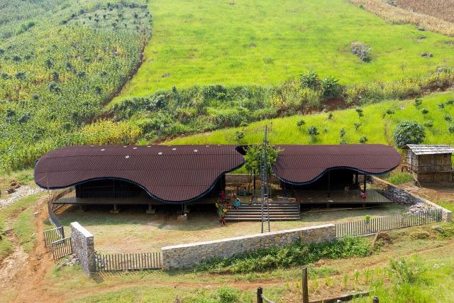 Trường mầm non giữa núi rừng Sơn La bất ngờ lọt top 10 công trình kiến trúc mới ấn tượng nhất thế giới năm 2020 - Ảnh 1.