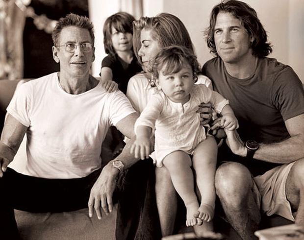 Calvin Klein - ông hoàng thời trang nước Mỹ: Đời tư phức tạp, ly hôn hai bà vợ để chuyển sang yêu trai trẻ kém gần 50 tuổi - Ảnh 5.