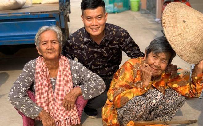 Phó GĐ Khương Dừa: Khán giả nước ngoài gửi về cho tôi cả ngàn đô, nói cứ giữ lấy làm từ thiện - Ảnh 5.