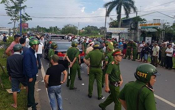 Truy tố giám đốc doanh nghiệp gọi điện cho giang hồ vây chặn xe chở công an ở tỉnh Đồng Nai - Ảnh 6.