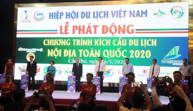 COVID-19 gây thiệt hại nặng nề nhất lịch sử du lịch Việt Nam - Ảnh 2.