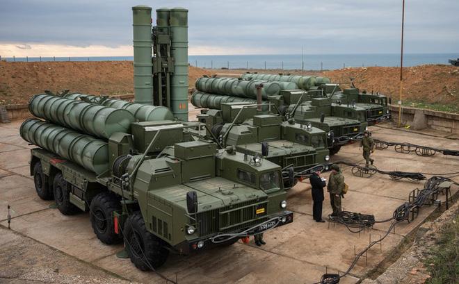 Gấu Nga không ngủ quên: Mỹ đừng liều lĩnh triển khai F-35 đến sát S-400 ở Syria! - Ảnh 1.