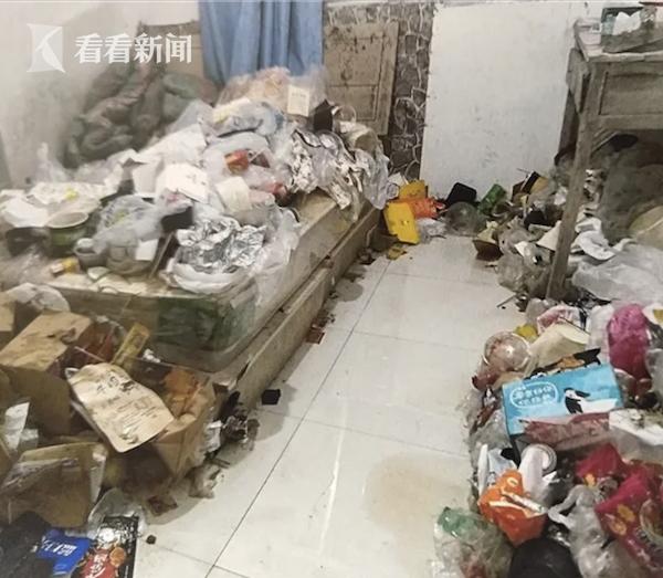 Cô gái trẻ biến nơi thuê trọ thành ngôi nhà rác thải chỉ trong gần 1 năm khiến ông chủ hoang mang cực độ - Ảnh 2.