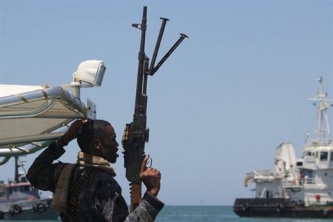 Coi thường chiến thư của Tehran, Hải quân Mỹ sẽ sập bẫy Iran - Chỉ 1 tia lửa nhỏ, thùng thuốc súng Trung Đông sẽ bùng nổ? - Ảnh 3.