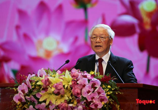 Long trọng kỷ niệm 130 năm Ngày sinh Chủ tịch Hồ Chí Minh: Nguyện kế tục trung thành và xuất sắc sự nghiệp vĩ đại của Người - Ảnh 2.