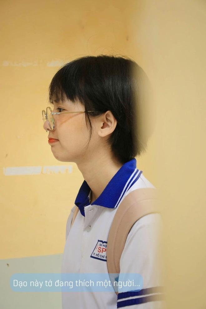 Bị học sinh và dân mạng chỉ trích vì diện áo dài lại mang sneaker khi đi dạy, cô giáo Sư phạm lên tiếng giải thích - Ảnh 7.