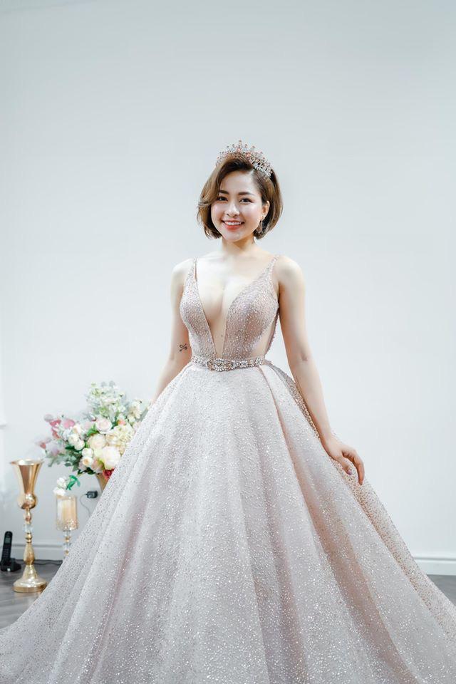 Hot girl Trâm Anh bất ngờ mặc váy cưới cực nóng bỏng - Ảnh 3.
