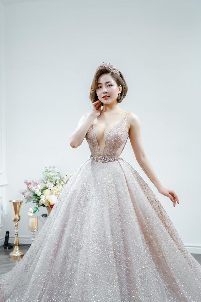 Hot girl Trâm Anh bất ngờ mặc váy cưới cực nóng bỏng - Ảnh 4.