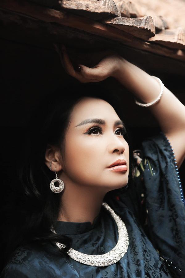 Thanh Lam, Hồng Nhung: Nhan sắc U50 ngọt ngào và đều đang có bạn trai mới - Ảnh 2.