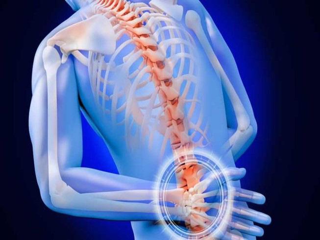 Yoga trị liệu: Chuyên gia Yoga Ấn Độ chỉ cách kiểm soát đau lưng và bài tập để hồi phục - Ảnh 1.