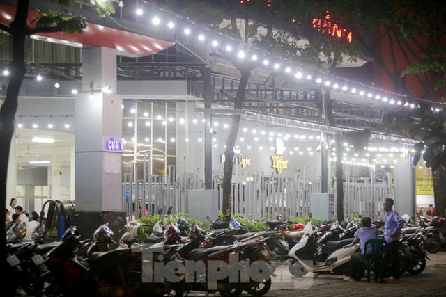 Các quán nhậu Thủ đô náo nhiệt trở lại, bất chấp Nghị định 100 - Ảnh 14.