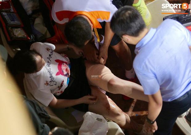 CĐV Nam Định bị phạt tù 4 năm sau vụ bắn pháo hiệu khiến fan nữ bị thương nặng ở sân Hàng Đẫy - Ảnh 4.