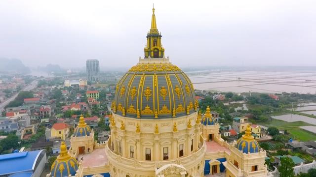 Chiêm ngưỡng lâu đài mạ vàng gây choáng của đại gia Ninh Bình - Ảnh 6.