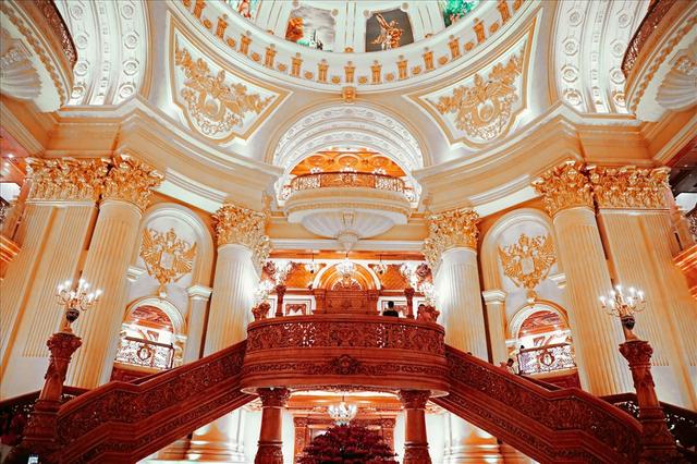Chiêm ngưỡng lâu đài mạ vàng gây choáng của đại gia Ninh Bình - Ảnh 8.