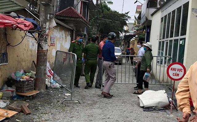Thứ trưởng Bộ Y tế: Việt Nam chưa tính công bố hết dịch;  Trường hợp bị sốt cao khiến hơn trăm hộ gia đình bị cách ly tạm thời ở Gia Lâm âm tính với SARS-CoV-2 - Ảnh 1.