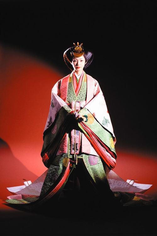 Điều ít biết về bộ trang phục 12 lớp, nặng 20 kg đỉnh cao vẻ đẹp trang phục truyền thống Nhật Bản, Hoàng hậu Masako cũng từng mặc ngày đăng quang - Ảnh 6.