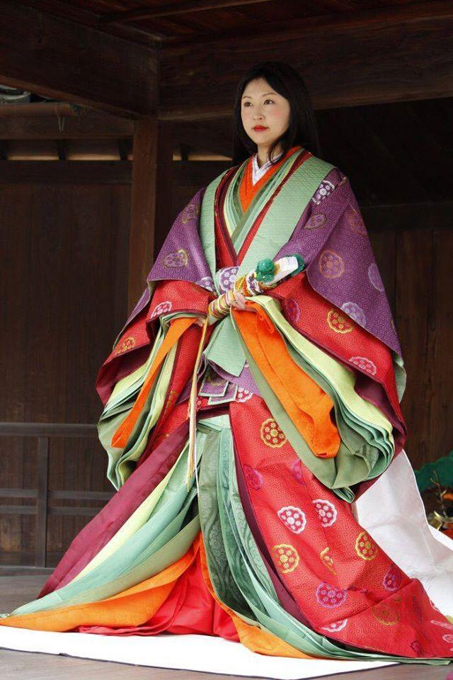 Điều ít biết về bộ trang phục 12 lớp, nặng 20 kg đỉnh cao vẻ đẹp trang phục truyền thống Nhật Bản, Hoàng hậu Masako cũng từng mặc ngày đăng quang - Ảnh 12.