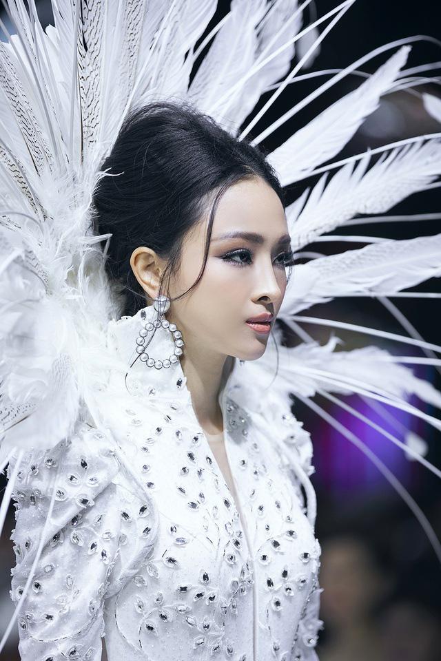 Hoa hậu Trương Hồ Phương Nga nói về tin đồn yêu đồng tính với bạn thân - Ảnh 6.