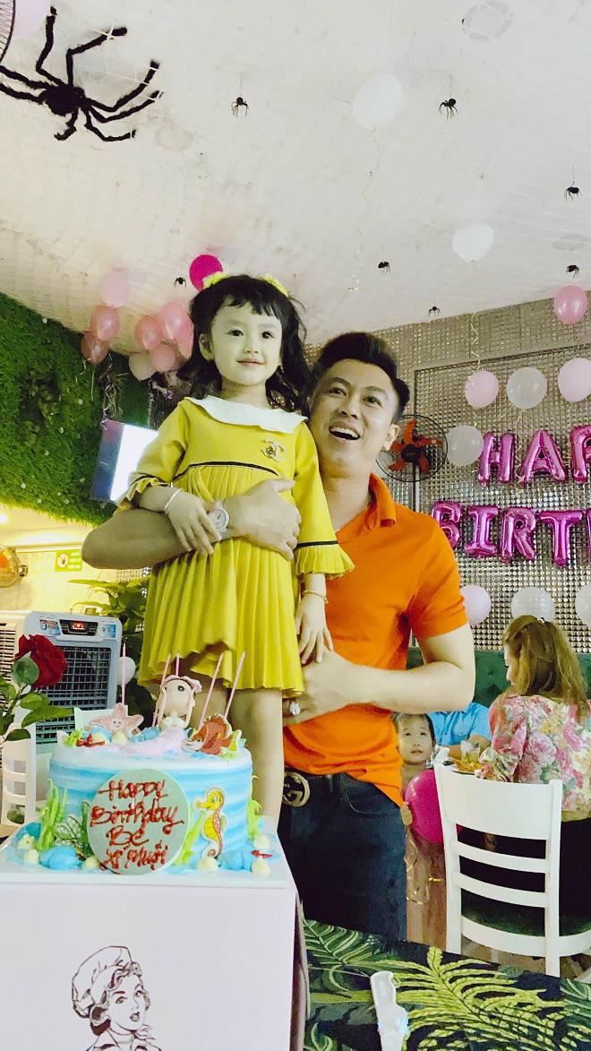 Hồ Việt Trung xin lỗi con gái vì không giữ được hôn nhân - Ảnh 1.