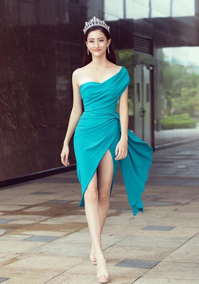 Loạt ảnh gợi cảm của hoa hậu Lương Thùy Linh - Ảnh 10.