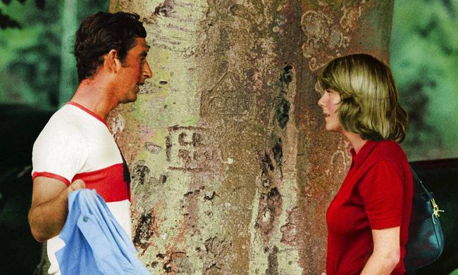 Đằng sau cuộc hẹn ăn trưa giữa Công nương Diana với tình địch Camilla: Người thăm dò tình hình, người bị cho là ngốc nghếch - Ảnh 1.