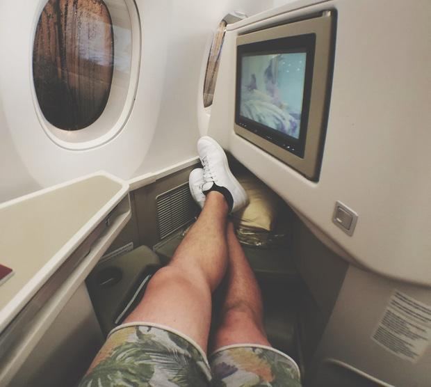 Đi máy bay tuyệt đối không được cởi giày dép cho thoáng chân và đây là 4 lý do - Ảnh 3.